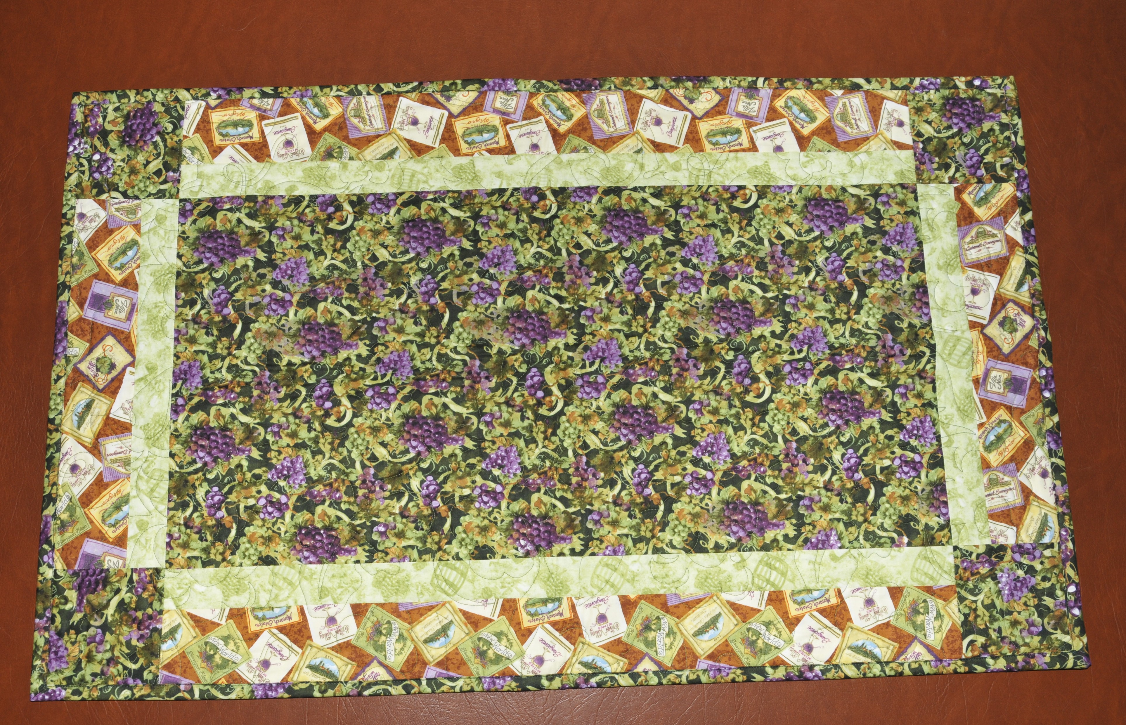 Delicieux Wine Country Table Runner 1